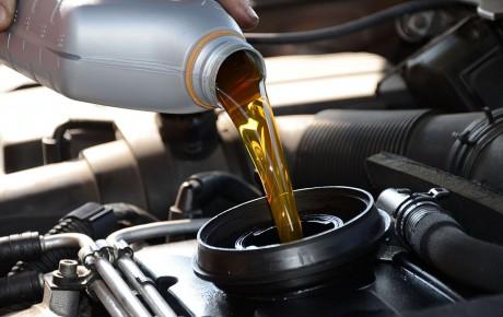 Cambiar el aceite de un coche de Ocasión