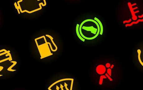 ¿Qué significan los chivatos del coche?