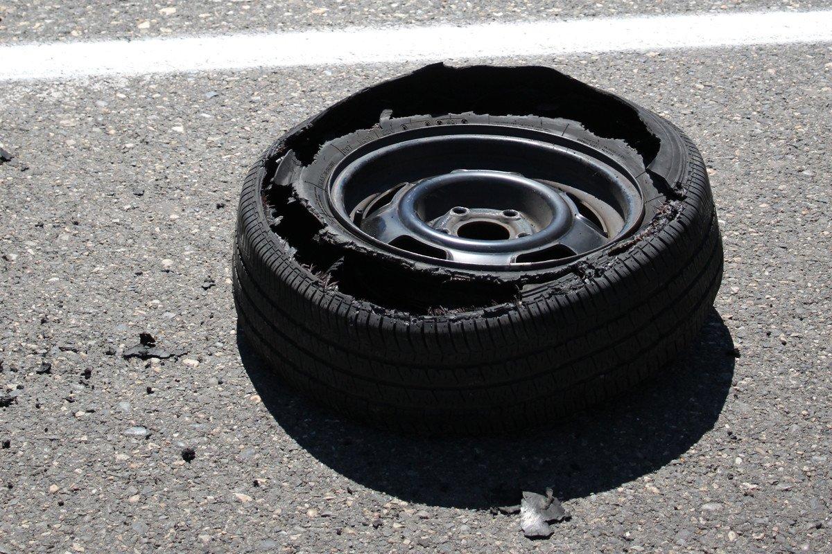 Peligros De Los Neumáticos Viejos y Gastados