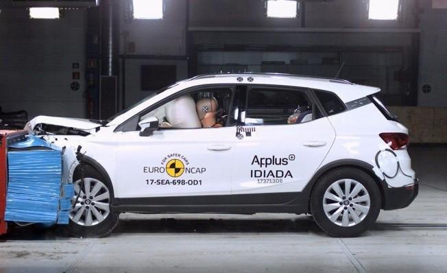 Cinco sistemas seguridad indispensables en el coche