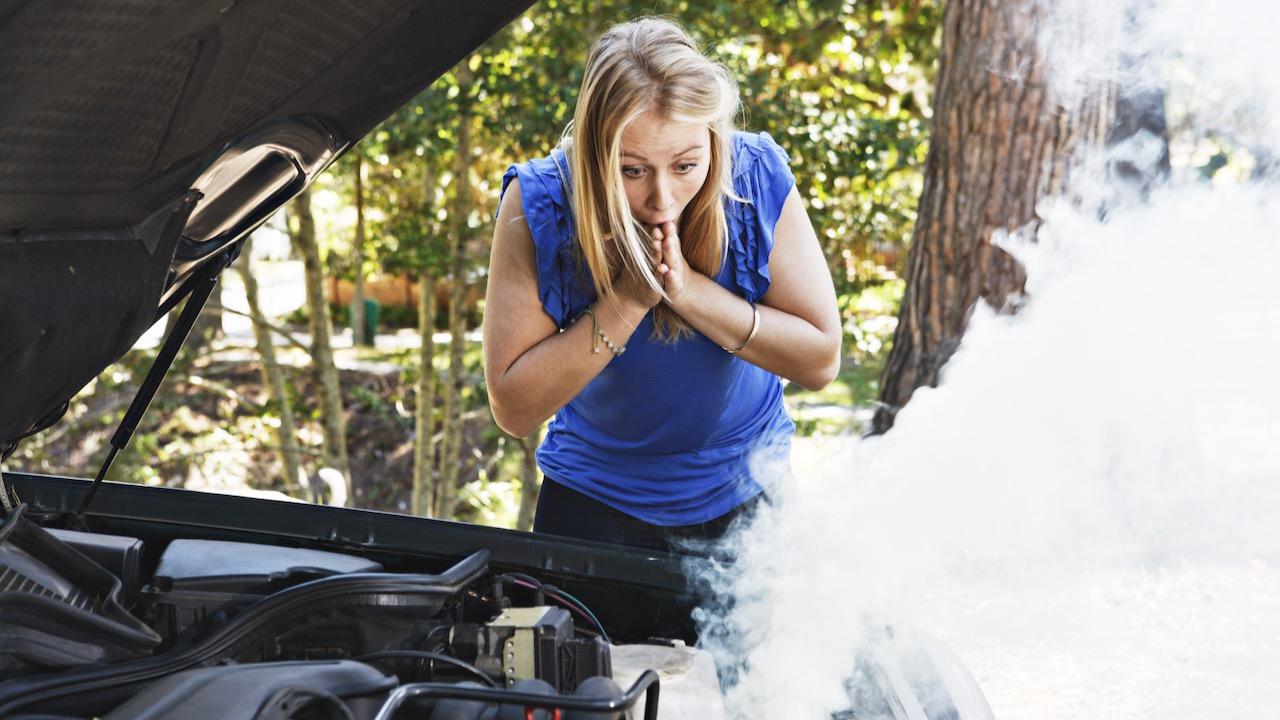 ¿Qué pierde mi coche? Líquidos debajo del motor
