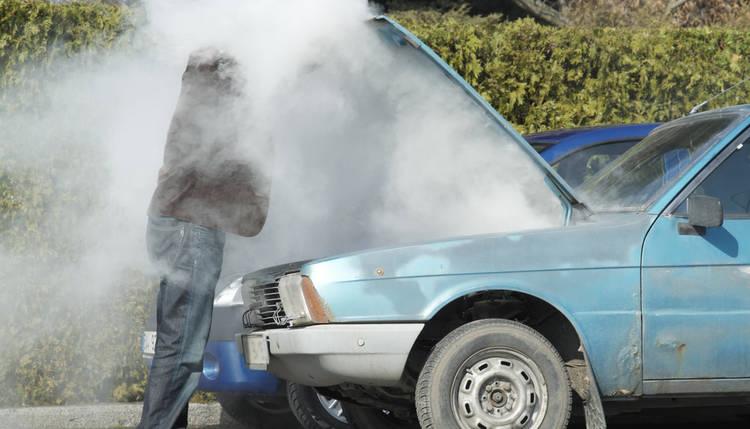 Mi coche se calienta pero no pierde agua