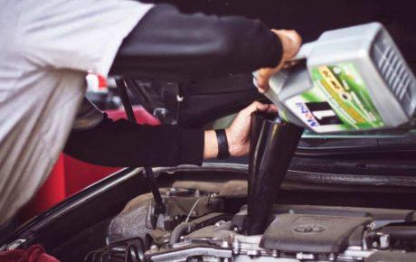 Conducir con el aceite pasado de kilómetros